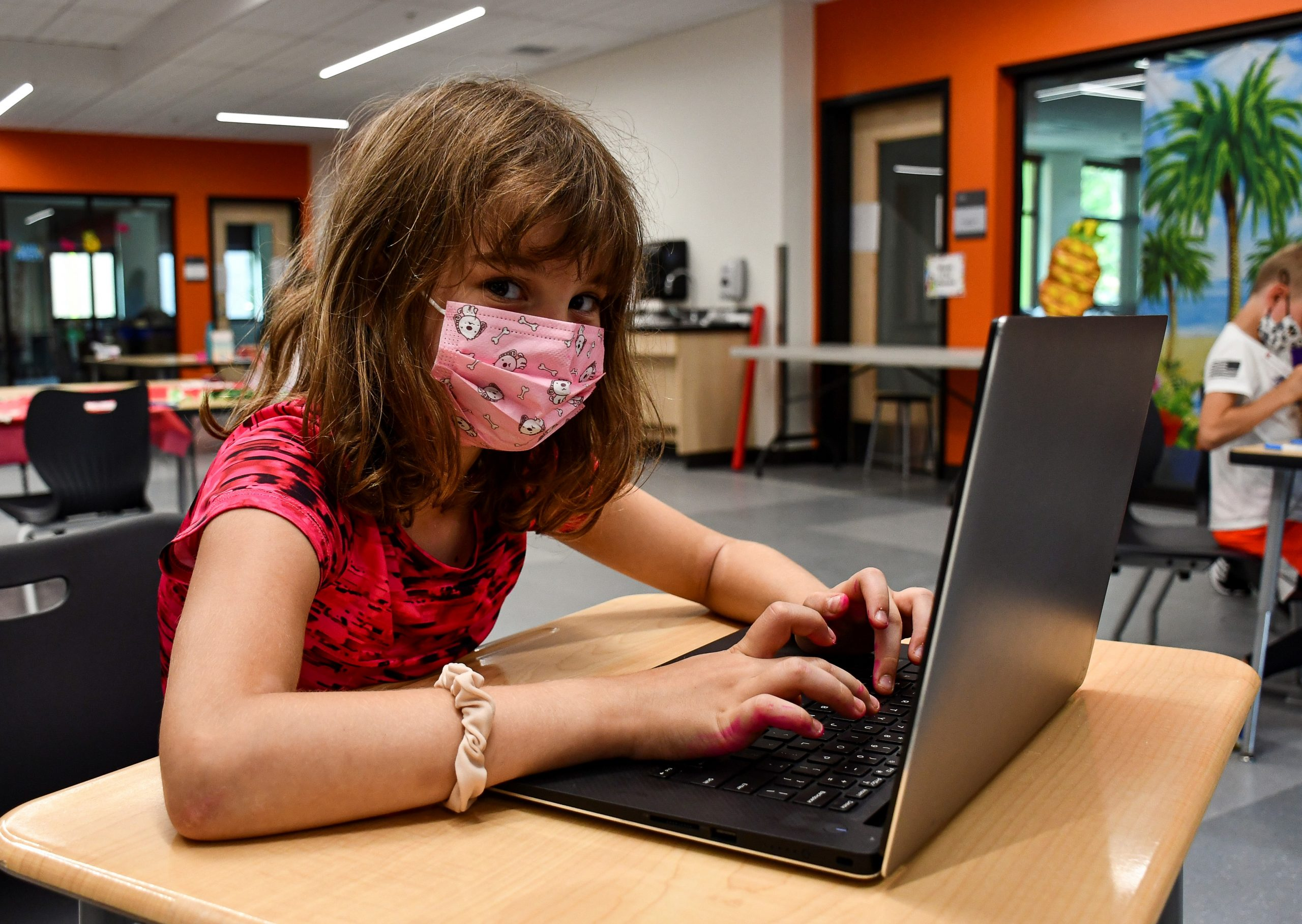 SCHOOL AGE CHILD CARE:  SUPPORTING STUDENTS DURING THEIR VIRTUAL LEARNING YMCA Blog Post